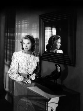 Ingrid Bergman wearing a Printed Blouse by Movie Star News
