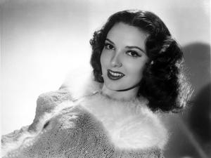 Linda Darnell smiling in Black and White by Movie Star News