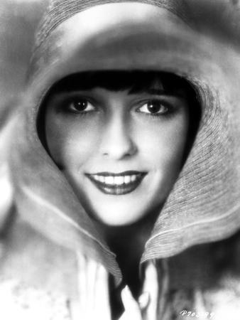 Louise Brooks smiling with Big Hat Portrait
