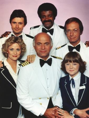 Love Boat Cast Posed in Group Picture by Movie Star News