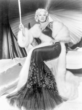 Mae West wearing Black And White Dress in Black and White by Movie Star News