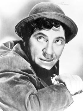Marx Brothers Close Up Portrait with a Man in Black Hat- Photograph Print by Movie Star News