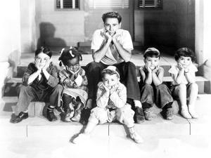 Our Gang Group Leaning Chin on Hands in Classic by Movie Star News
