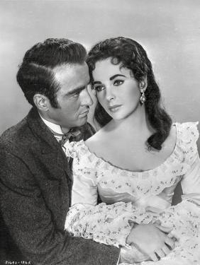 Raintree County Couple in Black and White Portrait by Movie Star News