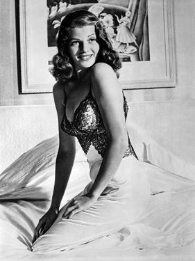 Rita Hayworth Posed Sideways Facing Forward by Movie Star News