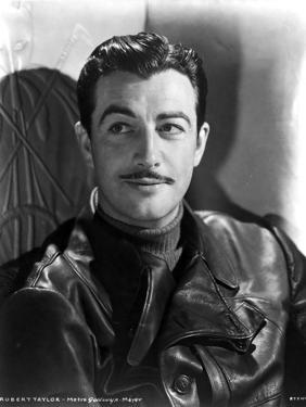 Robert Taylor in Classic Portrait by Movie Star News