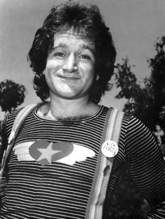 Robin Williams Posed in Jumper Outfit by Movie Star News