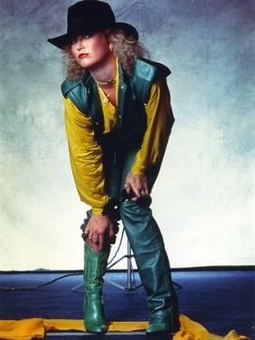Tanya Tucker Posed in Yellow Sleeves by Movie Star News