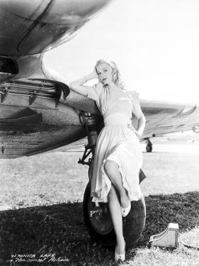 Veronica Lake #92 by Movie Star News