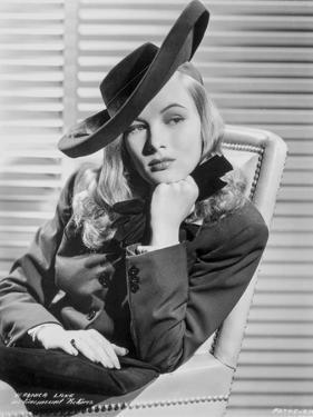 Veronica Lake #94 by Movie Star News