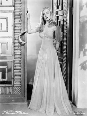 Veronica Lake #98 by Movie Star News