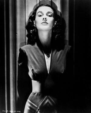 Vivien Leigh Posed in Dark Clothes by Movie Star News