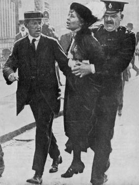 Mrs Pankhurst is Arrested Outside Buckingham Palace