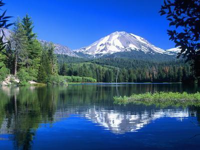 https://imgc.allpostersimages.com/img/posters/mt-lassen-national-park-california-usa_u-L-PXQMUP0.jpg?p=0