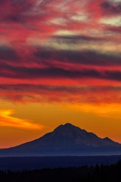 Mt Redoubt Volcano at Skilak Lake, Alaska, the Aleutian Mountain Range