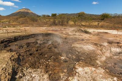 https://imgc.allpostersimages.com/img/posters/mud-pots-fumaroles-and-dormant-volcan-santa-clara-at-the-san-jacinto-volcanic-thermal-area_u-L-PWFHAH0.jpg?artPerspective=n