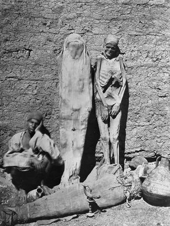 https://imgc.allpostersimages.com/img/posters/mummies-at-excavation-site_u-L-PZOQ4I0.jpg?p=0