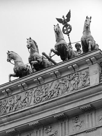 Statues on Top of Brandenburg Gate by Murat Taner