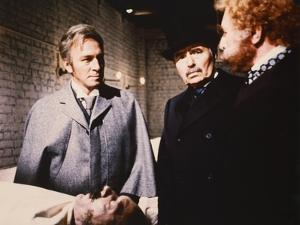 MURDER BY DECREE, 1979 directed by BOB CLARK Christopher Plummer, James Mason and Anthony Quayle (p