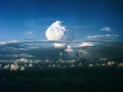 https://imgc.allpostersimages.com/img/posters/mushroom-cloud-from-nuclear-testing_u-L-PZP0K20.jpg?artPerspective=n
