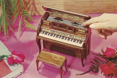 https://imgc.allpostersimages.com/img/posters/music-box-shaped-like-piano_u-L-PZROLC0.jpg?p=0