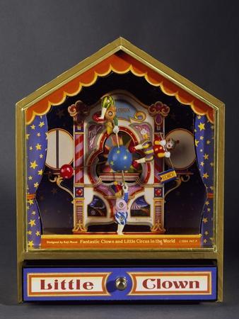 https://imgc.allpostersimages.com/img/posters/music-box-with-three-clowns-moving-to-bolero_u-L-PPVP1B0.jpg?p=0
