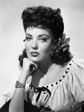 MY DARLING CLEMENTINE, 1946 directed by JOHN FORD Linda Darnell (b/w photo)