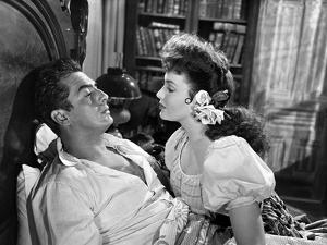 MY DARLING CLEMENTINE, 1946 directed by JOHN FORD Victor Mature and Linda Darnell (b/w photo)