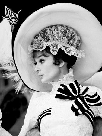 https://imgc.allpostersimages.com/img/posters/my-fair-lady-audrey-hepburn-1964_u-L-PWGI6G0.jpg?artPerspective=n