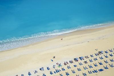 https://imgc.allpostersimages.com/img/posters/myrtos-beach-cephalonia-ionian-islands-greek-islands-greece-europe_u-L-PQ8NYZ0.jpg?p=0