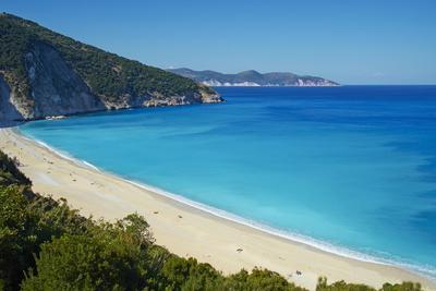 https://imgc.allpostersimages.com/img/posters/myrtos-beach-cephalonia-ionian-islands-greek-islands-greece-europe_u-L-PQ8OKN0.jpg?artPerspective=n