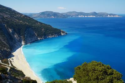https://imgc.allpostersimages.com/img/posters/myrtos-beach-cephalonia-ionian-islands-greek-islands-greece-europe_u-L-PQ8OLZ0.jpg?artPerspective=n