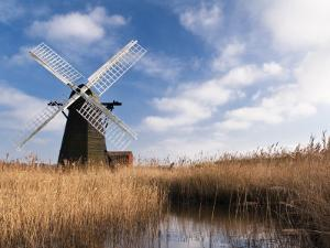 Herringfleet Drainage Mill, Suffolk, UK by Nadia Isakova