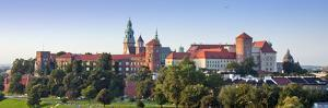 Wawel Castle Panorama by nahlik