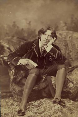 Oscar Wilde, 1882 by Napoleon Sarony