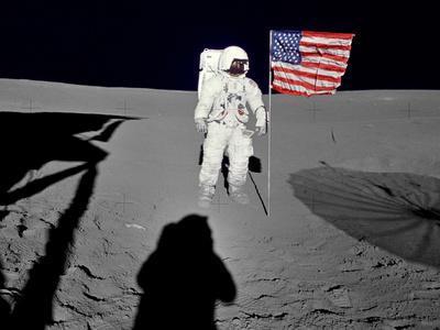 https://imgc.allpostersimages.com/img/posters/nasa-astronaut-spacewalk-moon-photo-poster-print_u-L-PXJ7PZ0.jpg?artPerspective=n