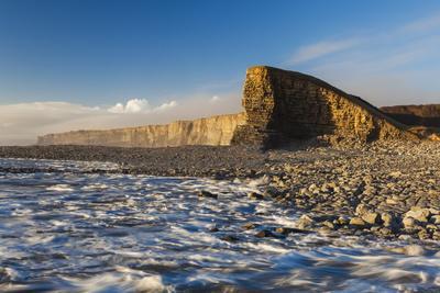 https://imgc.allpostersimages.com/img/posters/nash-point-glamorgan-heritage-coast-wales-united-kingdom-europe_u-L-PQ8NCN0.jpg?artPerspective=n