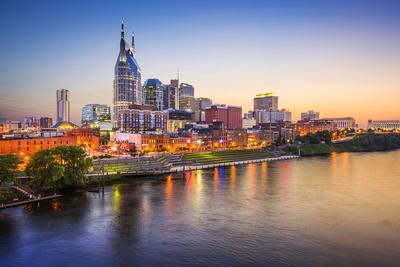 https://imgc.allpostersimages.com/img/posters/nashville-tennessee-usa-downtown-skyline-on-the-cumberland-river_u-L-Q105M9P0.jpg?p=0