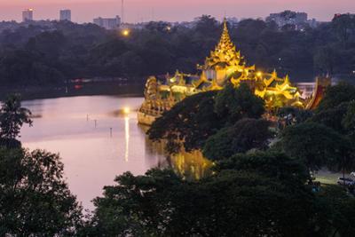 Karaweik, Kan Daw Gyi Lake and Park, Yangon (Rangoon), Myanmar (Burma), Asia by Nathalie Cuvelier