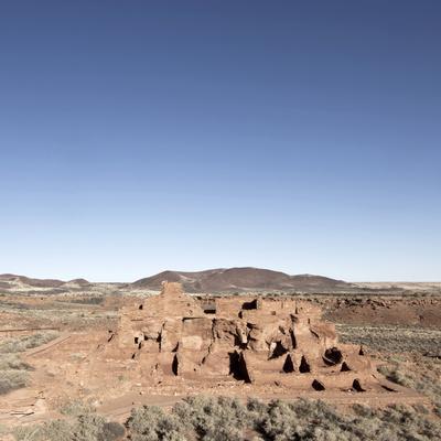 https://imgc.allpostersimages.com/img/posters/native-american-ruins-at-wupatki-national-monument-arizona-usa_u-L-PHANO40.jpg?p=0