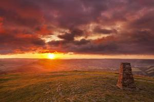 Sunrise on Great Ridge, Mam Tor, Hope Valley, Peak District National Park, Derbyshire by Neale Clark