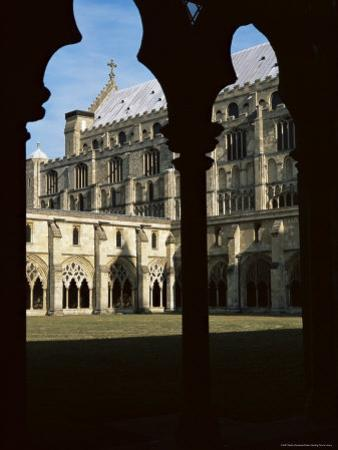 Gothic Cathedral Cloister, Dating from the 13th and 14th Centuries, Norwich Cathedral, Norfolk