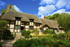 Anne Hathaway's Cottage by Neil Farrin