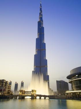 Burj Khalifa, Dubai, United Arab Emirates by Neil Farrin