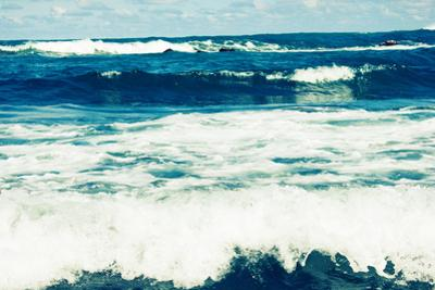 Storm Sea Waves by neirfy