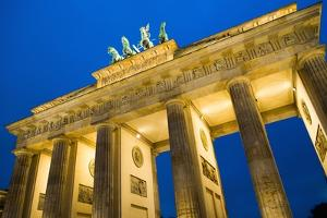 Brandenburg Gate at Night , Berlin by NejroN Photo
