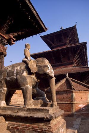 https://imgc.allpostersimages.com/img/posters/nepal-kathmandu-valley-patan-statues-of-elephants-in-front-of-vishnata-temple-and-bhismen-mandir_u-L-PQ2RQA0.jpg?p=0