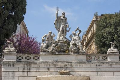 https://imgc.allpostersimages.com/img/posters/neptune-fountain-in-piazza-del-popolo-rome-lazio-italy_u-L-PWFCDE0.jpg?p=0
