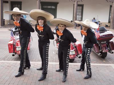 https://imgc.allpostersimages.com/img/posters/new-mexico-santa-fe-hispanic-folkloric-dance-group-bandstand-2014_u-L-PU3EMF0.jpg?artPerspective=n