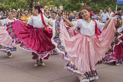 https://imgc.allpostersimages.com/img/posters/new-mexico-santa-fe-hispanic-folkloric-dance-group-bandstand-2014_u-L-PU3ENJ0.jpg?p=0